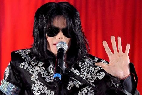 Michael Jackson ofrece una rueda de prensa en Londres en 2009. | Efe