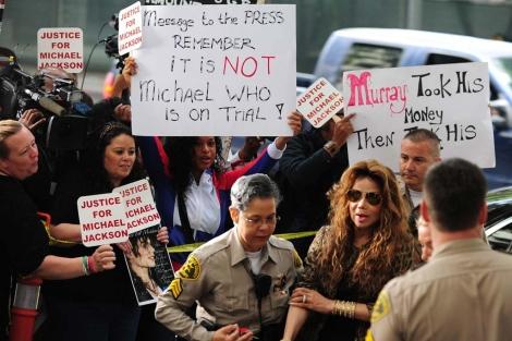 La Toya Jackson llegando al juicio. I AFP
