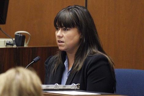 Elissa Fleak, forense de Los Ángeles, declara en el juicio. | Reuters