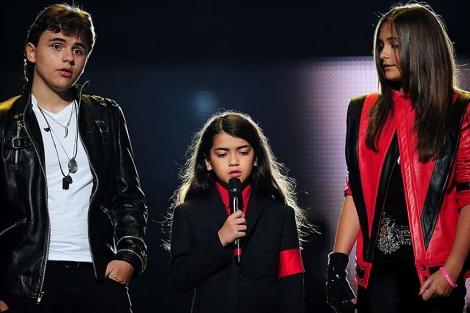 Los hijos de Jackson en el concierto homenaje a su padre en Cardiff. | Afp
