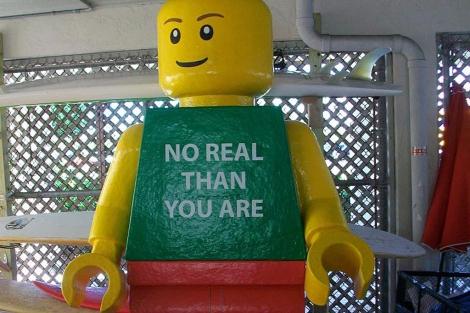 El muñeco gigante 'Ego Leonard'. | Efe