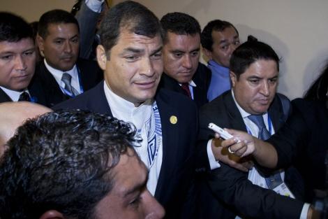 Rafael Correa tras abandonar la sesión inaugural de la Cumbre. | Ap