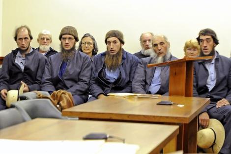 Cinco de los detenidos de la comunidad Amish (los hombres de la primera fila). | AP