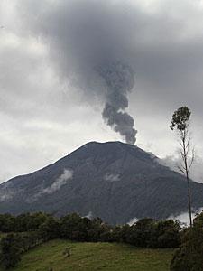 El volcán Tungurahua. | J.B.