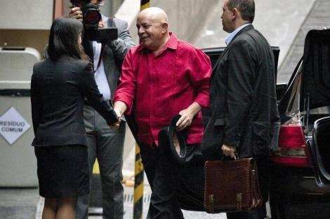 Lula da Silva ingresa al hospital para realizarse su última sesión de quimioterapia. | Efe