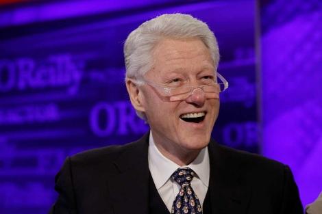 Bill Clinton, en un momento de la entrevista en la cadena Fox. | Ap