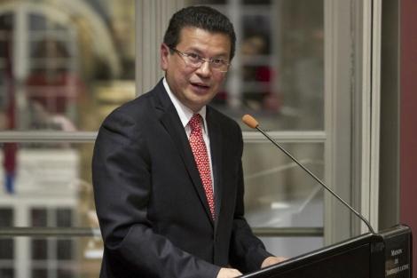 El ministro de Exteriores salvadoreño, Hugo Martínez, en la Casa de América de Madrid.   Efe
