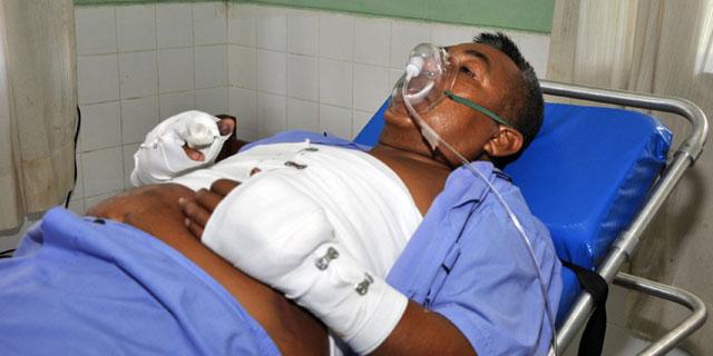 Artemio, siendo atendido de sus heridas, en el hospital de Lima.   Reuters