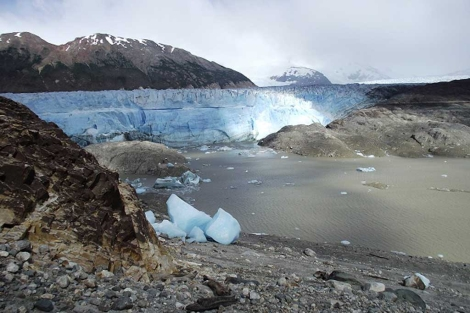 El lago Cachet 2, que ha perdido sus 2.000 millones de litros de agua. | Foto: Gob. de Chile