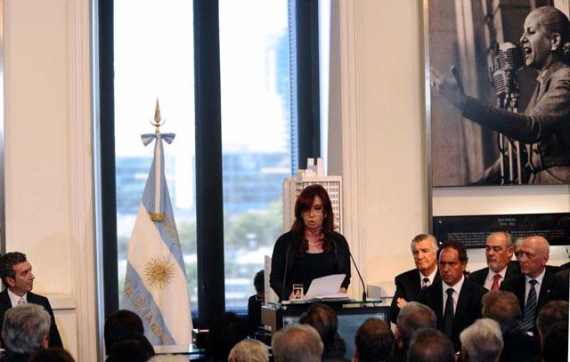 La presidenta durante el anuncio del proyecto.| Afp