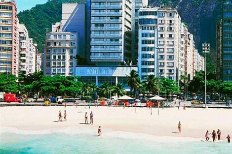 Un lujoso hotel frente a la playa de Copacabana, en Río de Janeiro.