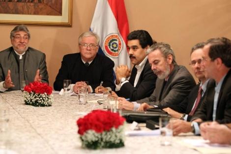 Lugo, reunido con los miembros de Unasur.  Efe