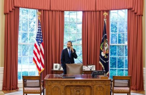 Barack Obama, en el despacho oval.   Afp