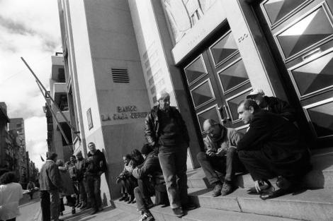 Crisis bancaria del año 2002.   Brecha. Centro de Fotografía de Montevideo