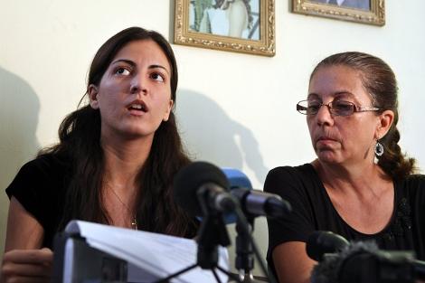 La viuda y la hija de Oswaldo Payá.  Efe/Alejandro Ernesto