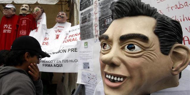 Expo Fraude, la feria montada por López Obrador para mostrar sus pruebas. | Efe