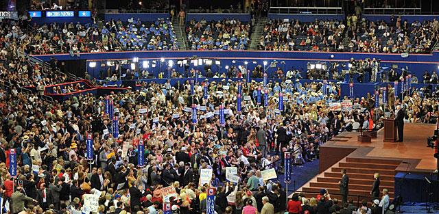 Momento del discurso de John McCain en Tampa.   Afp