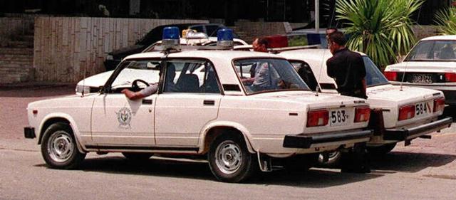 Coches de la Policía en La Habana. | Efe