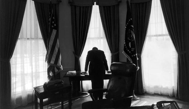 Kennedy, en el despacho oval. | The New York Times / Contacto VEA EL REPORTAJE GRÁFICO