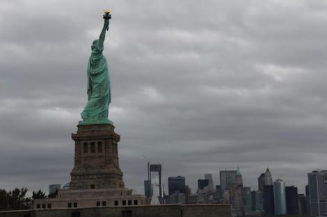 La Estatua de la Libertad, hoy, tras su reapertura.   Efe