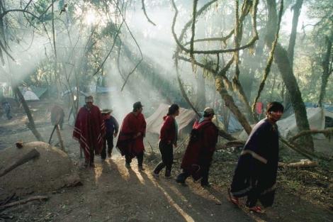Indígenas mapuche en una imagen de archivo en la Patagonia argentina.   El Mundo