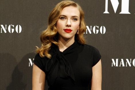La actriz, Scarlett Johansson, en una presentación de Mango. | M. Arias