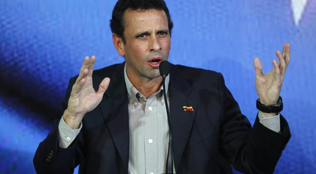Henrique Capriles durante su intervención en Caracas.   Reuters