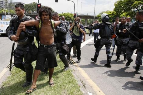 Desalojo por parte de la Policía Militar brasileña.   Reuters
