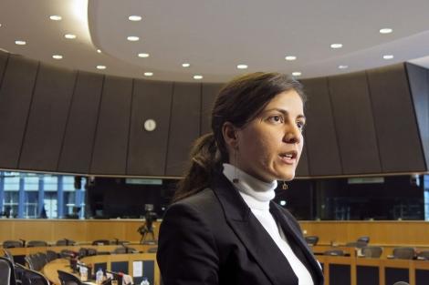 La hija del disidente cubano Rosa María Payá en el Parlamento Europeo.   Efe