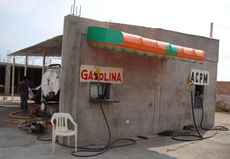 Otro de los establecimientos ilegales de venta de combustible. | S. H.-M.