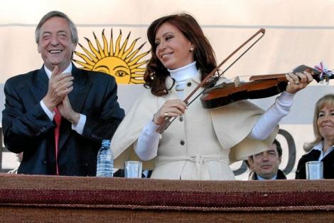 El entonces presidente de Argentina, Néstor Kirchner, y su esposa Cristina en 2008. | E.M.