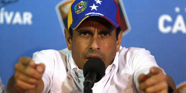 Henrique Capriles en uno de sus discursos.  Reuters