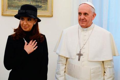 La presidenta argentina y el Papa Francisco en su encuentro en el Vaticano. | E.M.