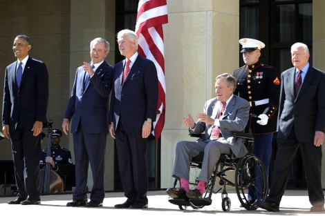 Obama, Bush, Clinton, Bush padre y Carter.| Afp