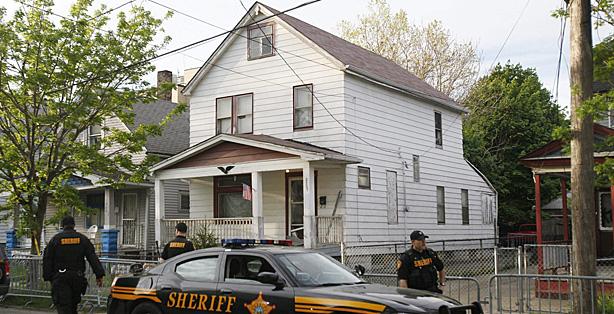 La casa donde estuvieron cautivas las tres chicas en Cleveland (Ohio).   Efe