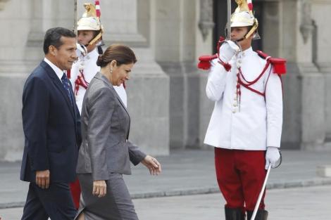 Laura Chinchilla con Ollanta Humala, en la visita oficial que hizo con el jet privado el pasado lunes.   Reuters