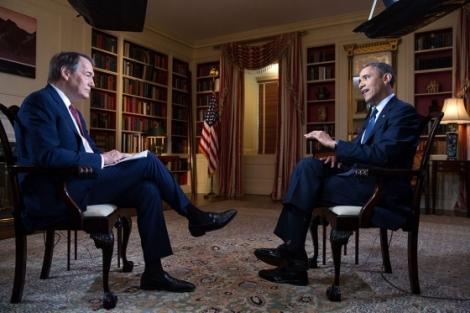 Obama durante la entrevista con Charlie Rose. | Pete Souza / White House