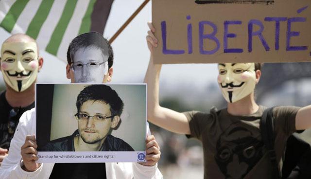 Manifestantes a favor de Snowden.| Afp