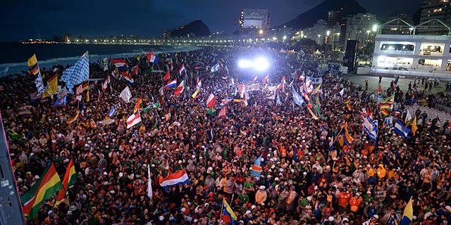 Panorámica de la playa de Copabana durante la celebración. | Afp