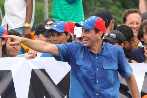 Capriles participa en una manifestación contra el presidente Maduro.  Efe