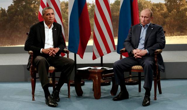 El presidente de Estados Unidos con el presidente ruso, durante la pasa cumbre del G8. | Reuters