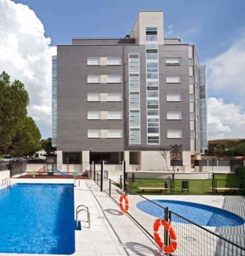 Bloque de viviendas en venta de Altamira Santander Real Estate.