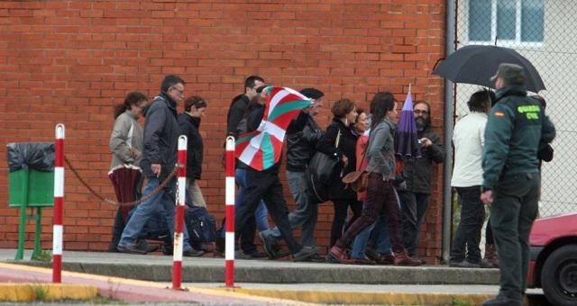 Inés del Río abandona la prisión junto a sus familiares y amigos.