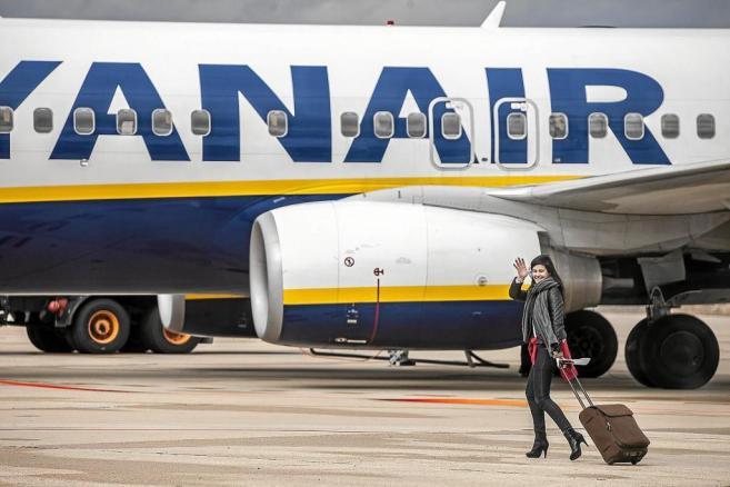 En pista camino de embarcar en un vuelo de la compañía a Londres.
