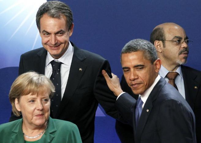 Angela Merkel junto a Barack Obama y Rodríguez Zapatero en Cannes. |...