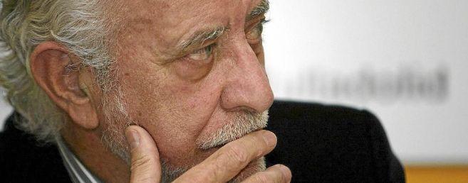 El escritor gallego durante una entrevista.