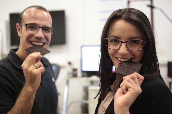 Los investigadores de la Universidad de Granada, Jonatan Ruiz y...