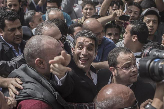 Basem Yusuf, en una imagen de marzo de 2013 a su llegada a un juzgado...