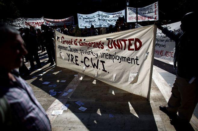Manifestantes antifascistas en Atenas.