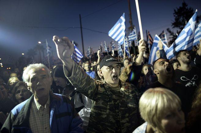 Partidarios de Amanecer Dorado durante la manifestación en Atenas.